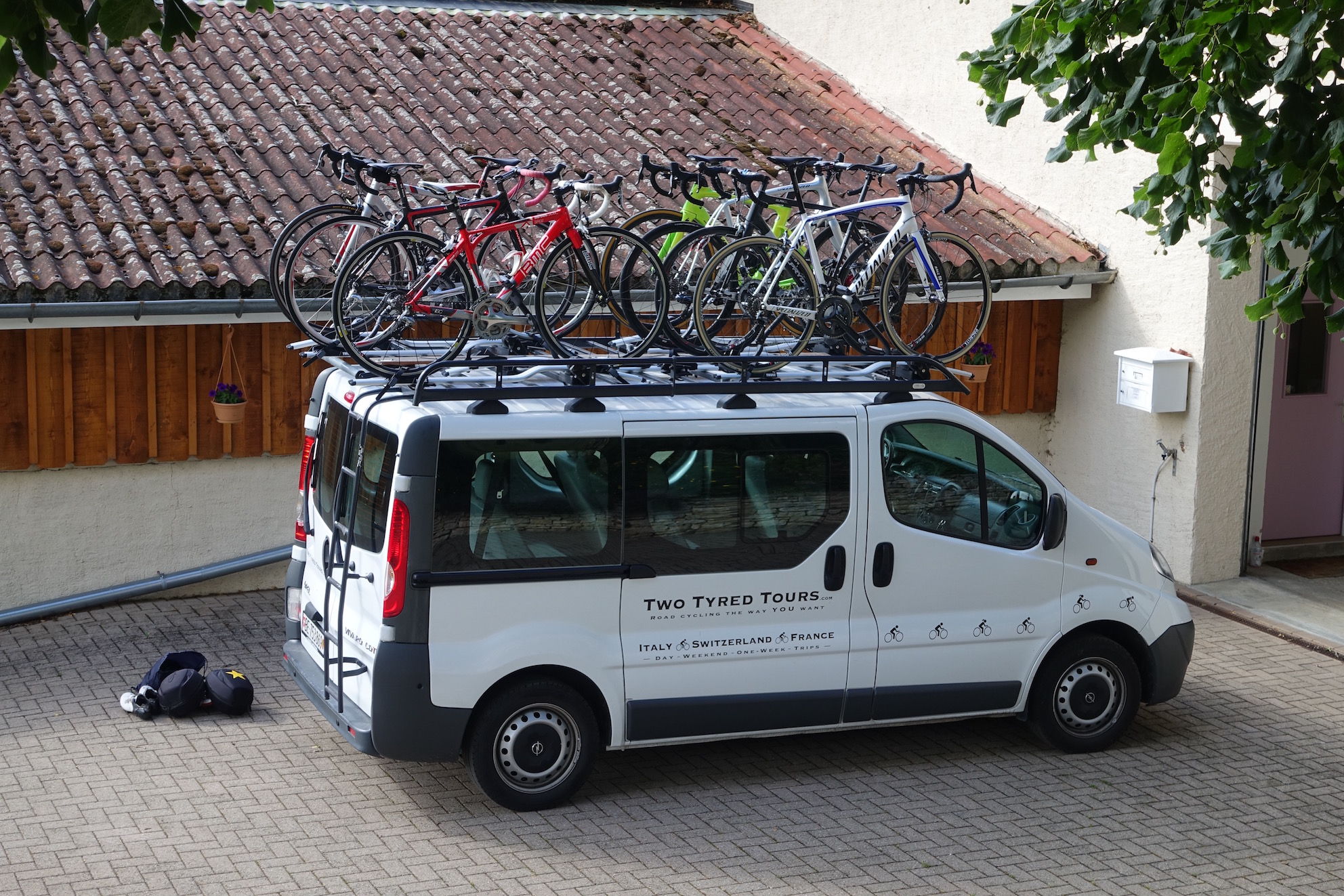 TTT: locked and loaded for the 500km drive to the foot of the Bonette.